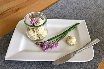 Schnittlauchblüten-Zitronen-Butter