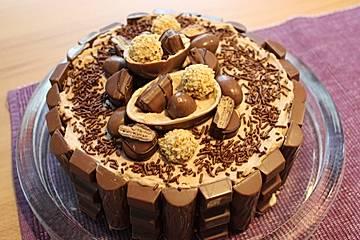 Einhorn-Kinderschokoladen-Torte