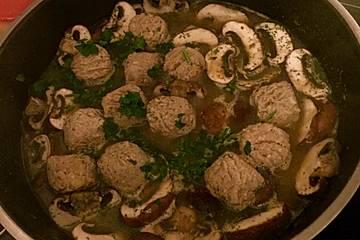 Vegetarische schwedische Hackbällchen mit Pilzen