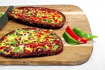 Raffiniertes Omelett-Sandwich