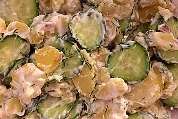 Kartoffel-Gurkensalat mit Quark