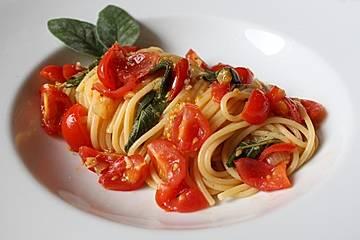 Pasta Salvia-Pomodoro
