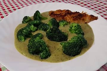 Brokkolisuppe mit Gorgonzola