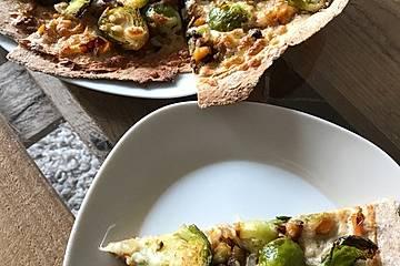 Herbstliche Single-Pizza mit Rosenkohl