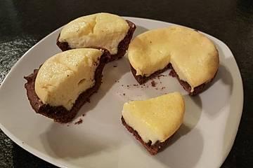 Käsekuchen-Muffins mit Schokoboden