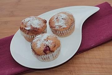 Alex' Bio Grieß-Kirsch-Muffins ohne Mehl