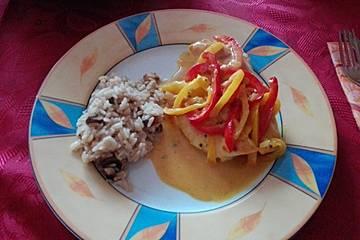 Hähnchenbrustfilet mit Currysauce und Reis