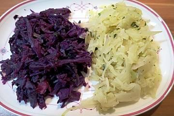 Lauwarmer Rot- oder Weißkohlsalat
