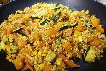 Couscouspfanne mit Kürbis und Gemüse