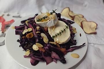 Rotkohlsalat mit Ziegenkäse und Thymian-Honig