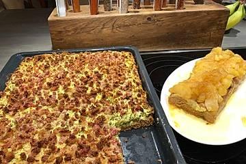 Speckkuchen und als Nachtisch Apfelkuchen