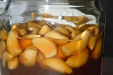 In Honig fermentierter Knoblauch