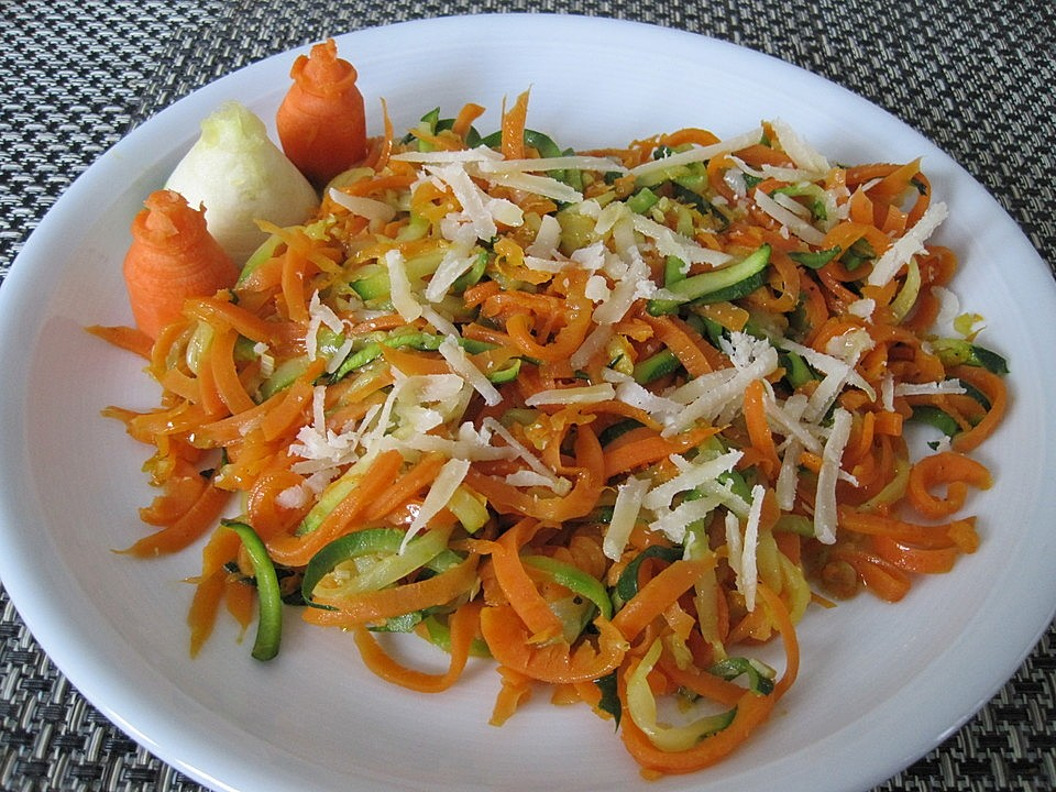Gemüsenudeln aglio e olio von Funnyreloaded | Chefkoch