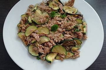 Zucchini mit Thunfisch