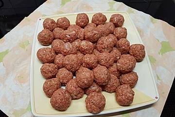 Yotas Mini-Fleischklößchen für Suppen und Pastasaucen