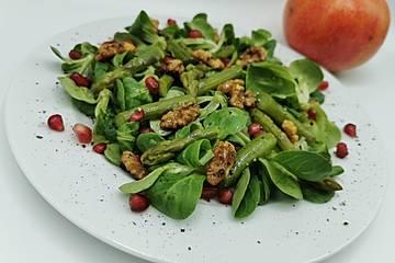 Spargelsalat mit Granatapfeldressing