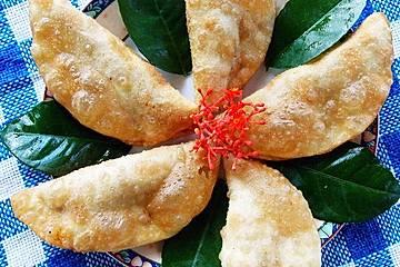 Frittierte Dim Sum mit Garnelen und exotischer Dip-Sauce