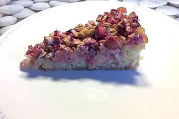 Rhabarber-Erdbeer-Sahnekuchen