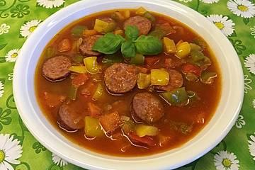 Herzhafte Cabanossi-Paprika-Suppe