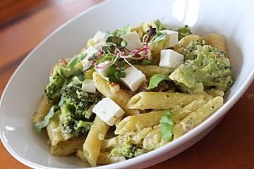 Zitronen-Pesto-Pasta