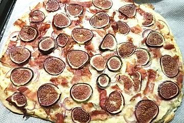 Brigittes Feigen-Flammkuchen mit Gorgonzola