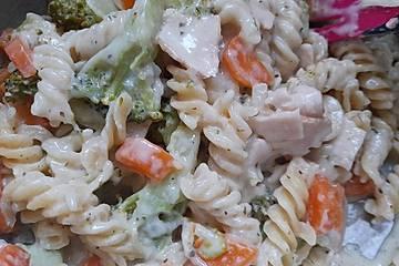One Pot Pasta mit Brokkoli in Frischkäsesoße