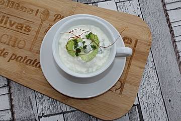 Hüttenkäse-Dip mit Gemüse