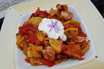 Low Carb Gemüsepfanne mit Hähnchen