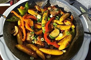 Schwabentöpfle mit Gemüse und frischen Spätzle