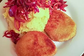 Kartoffel-Kürbis-Püree mit Balsamico-Zwiebeln