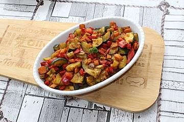 Zucchini-Karotten-Fenchel-Paprikagemüse