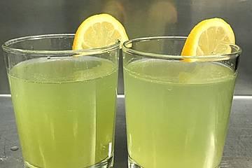 Prickelnde Gurken-Zitronen-Limo