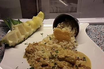 Zwiebel-Curry-Senfgeschnetzeltes mit frisch gemachten Spätzle