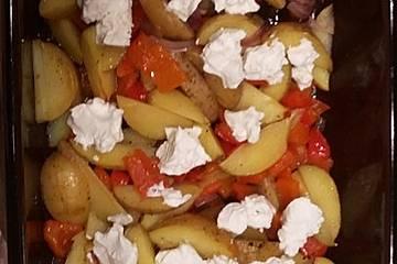 Kartoffel-Paprika-Pfanne mit Ziegenfrischkäse