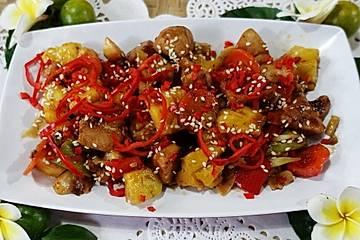 Hühnerbrust mit Ananas - Ock Gai Sapparot