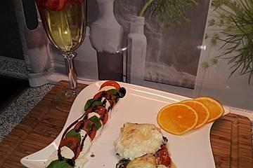Ei überbacken auf Spinat-Feta-Tomaten-Bett