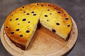 Low Carb Cheesecake mit Heidelbeeren