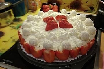 Raffaello-Torte mit Erdbeeren