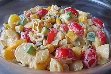 Pikanter Kartoffelsalat mit viel knackigem Gemüse