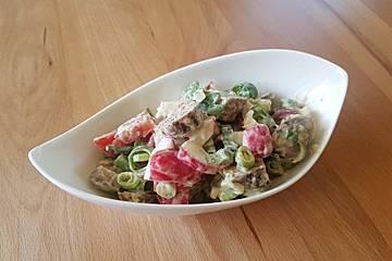 Bratwurstsalat mit Senfdressing
