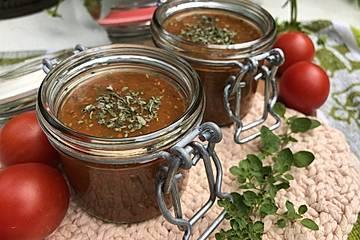 Tomatenpüree mit Kräuter