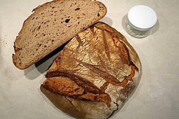 """""""Zweiundsiebziger"""", großes Weizenmischbrot mit Weizensauerteig und Roggensauerteig, 72% Weizenmehl"""