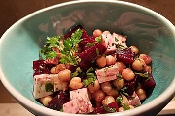 Kichererbsen-Salat mit Feta und Rote Bete