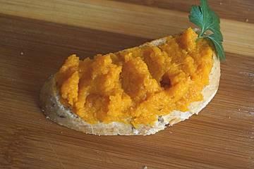 Würziger Möhrendip mit Orange