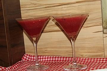 Himbeer-Wassermelonen-Drink für den Grillabend