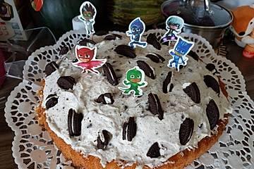 Oreo-Torte mit fertigem Biskuitboden