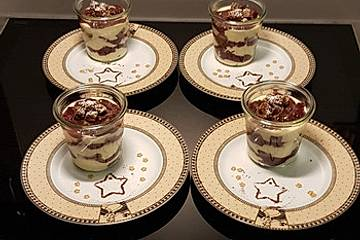 Schokoladen-Kirsch-Trifle mit Spekulatius-Eierlikörcreme