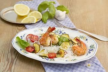 Konjakspaghetti-Salat mit Gambas
