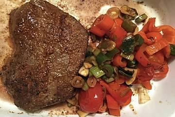Asiatisches BBQ-Steak mit Paprika und Ananas