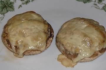 Gefüllte Champignons mit Schinken und Spinat